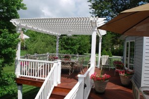 Brazilian-Redwood-Decking-with-pergola1-300x200