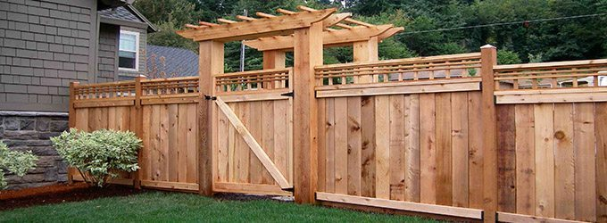 6 Ways to Spice Up a Privacy Fence