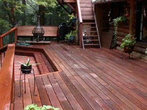 5 Tips on Redwood Deck Maintenance for Homeowners