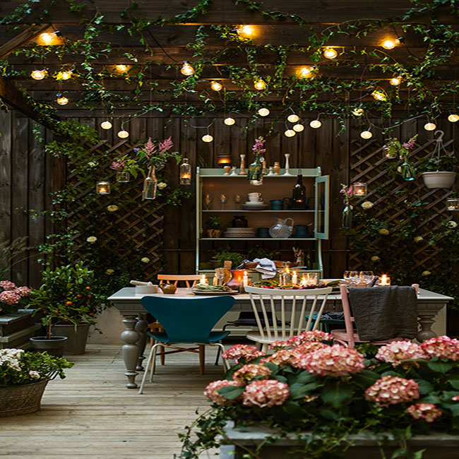 37 Beautiful Bohemian Patio Designs: Magical Ideas For Outdoor Dining Under A Pergola On A Deck