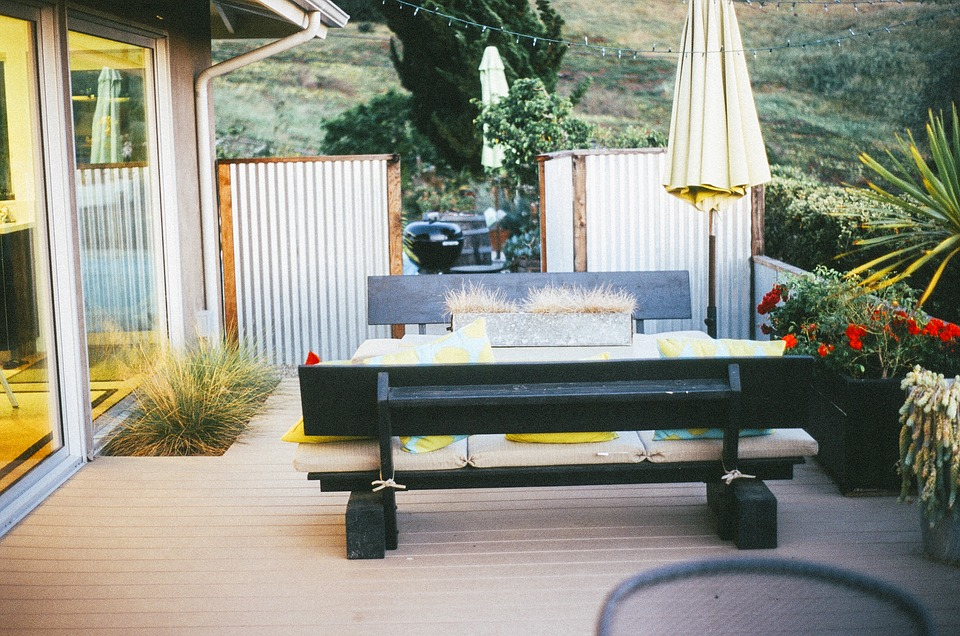 The Just Right Outdoor Living Space